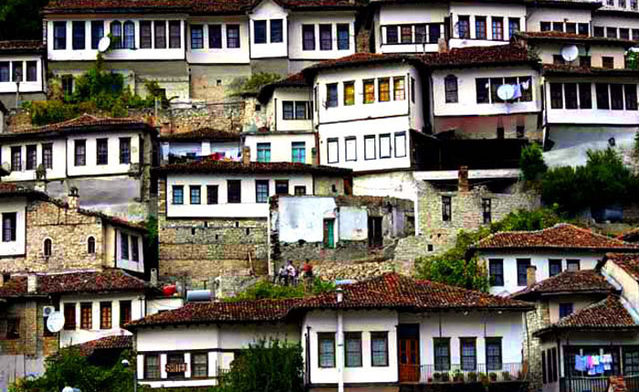 Image - Berat - houses along the cliff edge