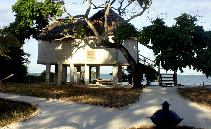 Image - Tree top villa at The Cove hotel, Diani beach, Mombasa, Kenya.