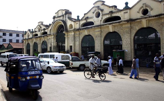 Image - Kenya beach holidays: Mackinnon Market, Mombasa