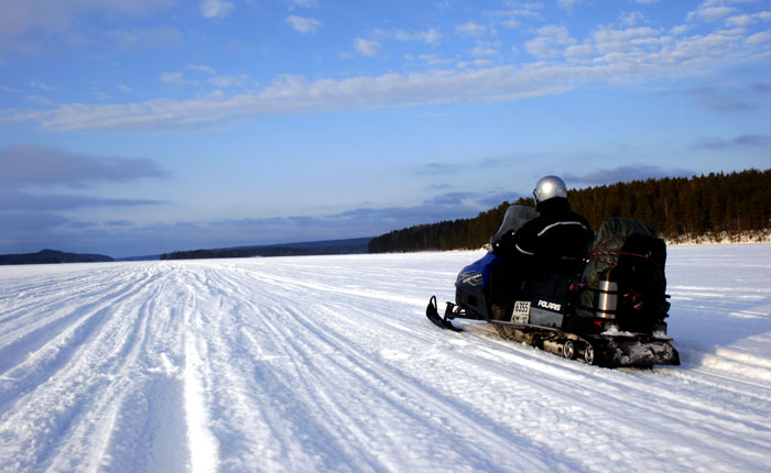 Image - snowmobile karelia, views across a frozen lake