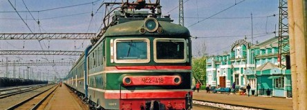 Image - The Trans-Siberian train at Nazyvaevskaya station