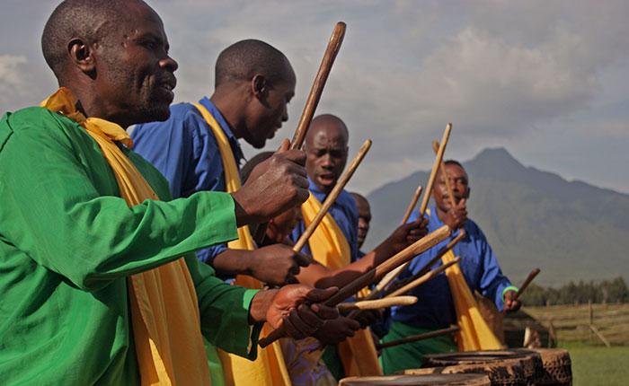Image: Tribal drummers in Rwanda